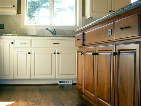 how do you reface kitchen cabinets how much to reface kitchen cabinets uk wow 8444