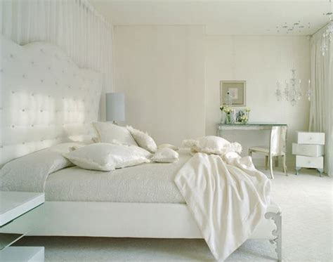 White Bedroom Design Ideas Simple, Serene And Stylish