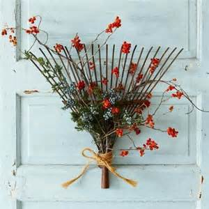 Rake Fall Wreaths Ideas