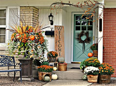 Decorating your home from top to bottom is extremely expensive make a coin bank out of an empty disinfectant wipes container. Fabulous Outdoor Decorating Tips and Ideas for Fall - ZING ...