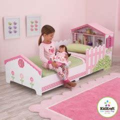 bureau fillette lit pour chambre de fille lit original pour aménager une