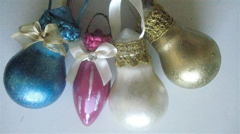 light bulbs into tree ornaments recyclart