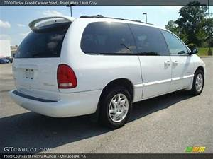 Sport 2000 Gray : 2000 dodge grand caravan sport in bright white photo no 29701924 ~ Gottalentnigeria.com Avis de Voitures
