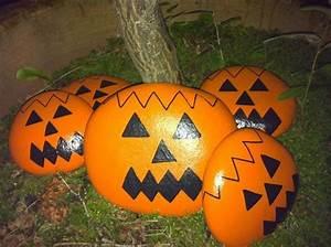 Halloween Kürbis Bemalen : gro e steine wie orangenfarbene halloween k rbisse bemalt steine bemalen ~ Eleganceandgraceweddings.com Haus und Dekorationen