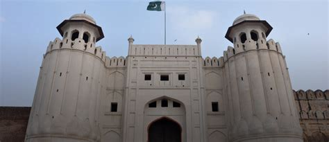Lahore Fort: History, Facts & More!   Zameen Blog