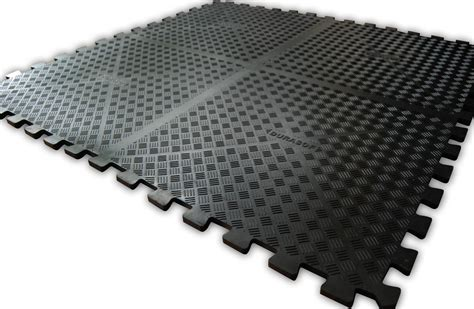 garage rubber flooring manufactured from nitrile rubber and grease resistant
