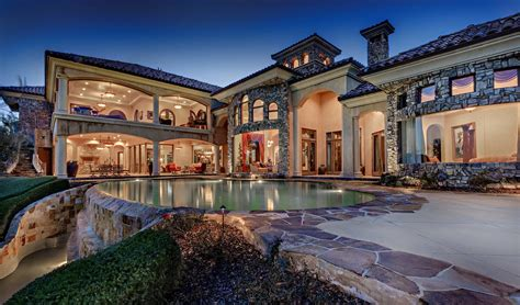 tips glamorous california mansions   holiday
