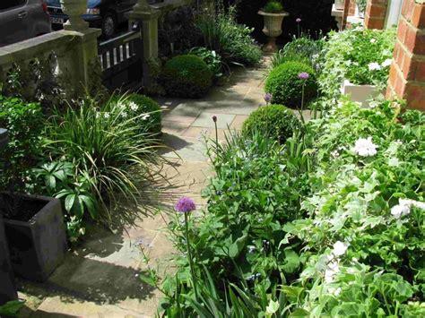 Formal Cottage Garden - Living Colour Gardens