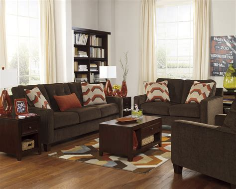Chocolate Brown Decorating Ideas by Rooms With Brown Coucheschocolate Brown Living Room