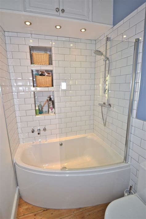 Corner Baths For Small Bathrooms by Simple White Small Bathroom Design With Corner Bath Tub