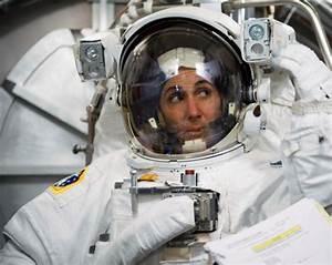 Women in Space: Nicole Stott - More than 100 Days on orbit ...