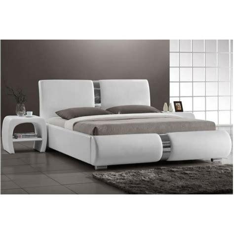lit blanc laque pas cher indogate chambre luxe pas cher