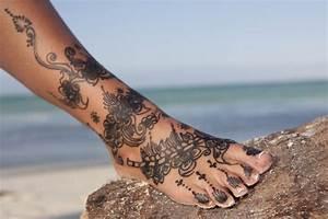 Tattoo Auf Dem Fuß : fu tattoos feetastic ~ Frokenaadalensverden.com Haus und Dekorationen