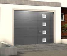 porte de garage sectionnelle plafond activa avec portillon With porte de garage sectionnelle jumelé avec prix serrure