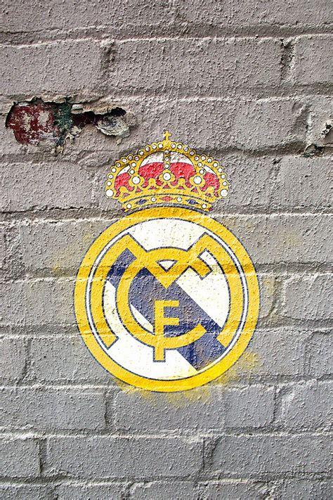 【サッカー】レアル・マドリード (レンガ背景) | iPhone壁紙ギャラリー