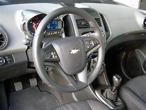 Chevrolet Spark Coffre : essai vid o chevrolet aveo 1 2 et 1 4 grands changements ~ Medecine-chirurgie-esthetiques.com Avis de Voitures
