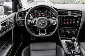 Volkswagen Golf Connect : 2018 volkswagen golf gti first test the balanced hot hatch motor trend ~ Nature-et-papiers.com Idées de Décoration