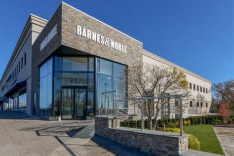 Barnes & Noble Urged To Try And Sell Itself