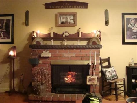Primitive Decorating Ideas For Living Room by Primitive Living Room Primitive Decorating