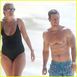 Mark Wahlberg Joins Wife Rhea Durham for Another Beach Day ...