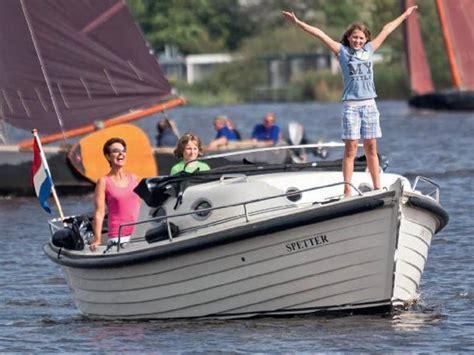 Ligplaats Zeilboot Friesland by Recreatiecentrum Sneek Voor Het Vertrouwd Huren Van