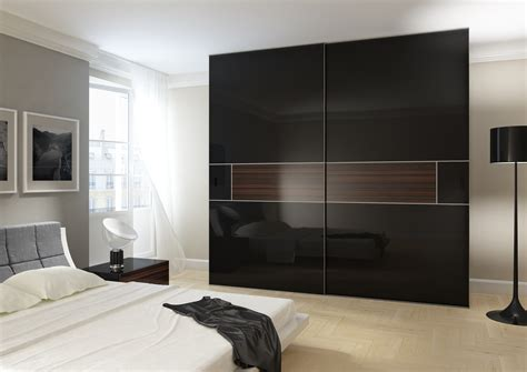 wardrobe with high gloss and acrylic gloss sliding doors
