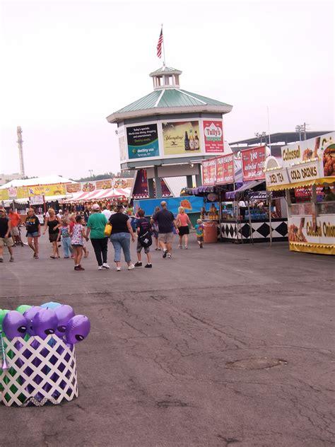 Guide Post  State Fair Hound