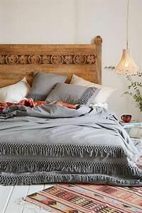Le tapis design la meilleure option pour votre chambre design for Tapis chambre bébé avec couverture pour canapé