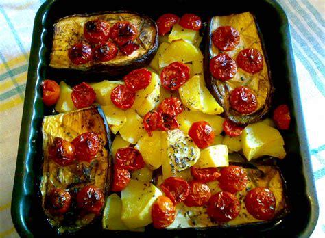 cucinare le melanzane dietetiche melanzane con patate al forno ricetta