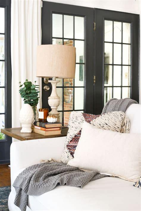 Zimmer Dekorieren Tipps by Best 25 Fall Living Room Ideas On Autumn