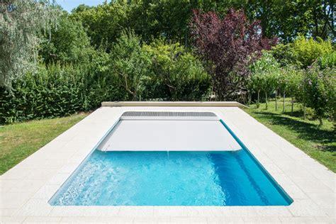 prix piscine coque avec volet roulant piscine coque polyester rectangulaire mod 232 le f 233 ro 233 avec
