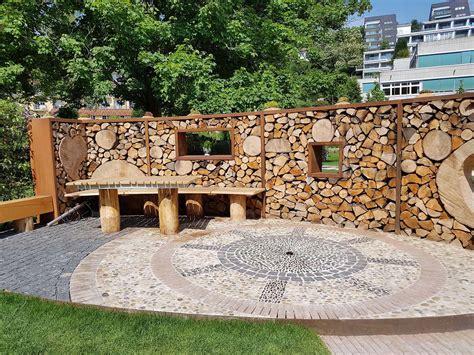 überdachte terrasse holz sichtschutz terrasse 10 ideen f 252 r lauschige pl 228 tzchen
