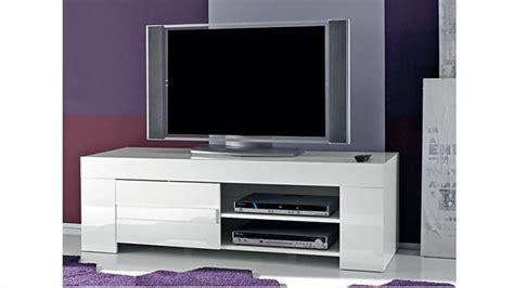 canapé fabrication italienne meuble tv design laqué blanc 140 cm magao mobilier moss