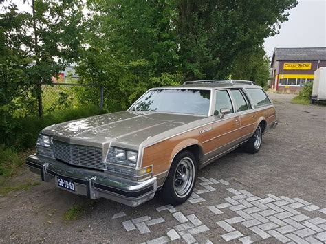 Buick Estate by 1977 Buick Estate Wagon