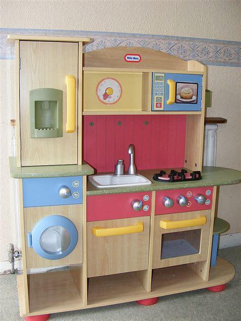 tikes children premium wooden play kitchen