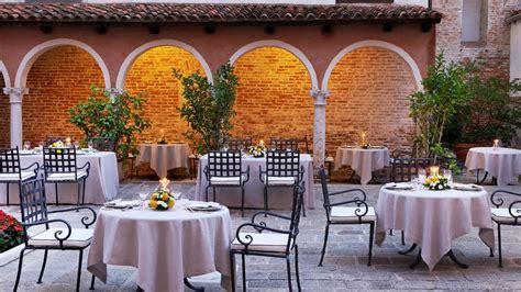il cortile ristorante isolarsi al san clemente palace kempinski venice