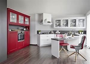 Küche In Rot : moderne landhausk che in wei und rot ~ Frokenaadalensverden.com Haus und Dekorationen