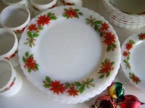 vintage christmas holidays dinnerware set for 7 plus milk