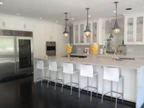 Kitchen Islands Designs With Seating Mirrored Herringbone Backsplash Contemporary Kitchen Womanista