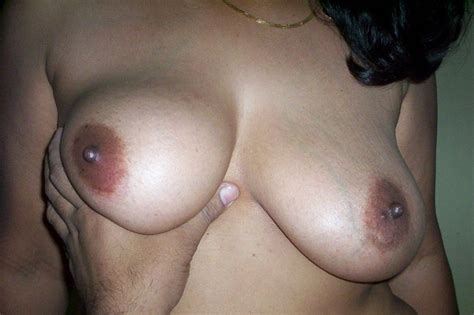 porn pics south indian aunty lavanya pressing boobs