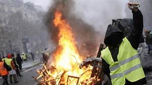 France: Police Threaten To Join Rioters, Demand Better Pay ...