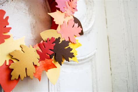 diy fall wreaths easy diy leaf wreath merriment design