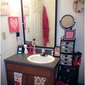 Dorm Bathroom Ideas & Hacks