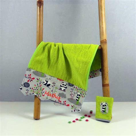 serviette de toilette 233 ponge personnalis 233 e cadeau naissance original motif panda cr 233 aflo