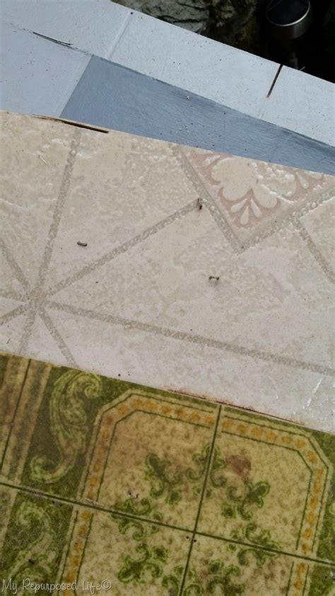 remove layers  vinyl flooring   room