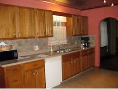 Paint Colors For Light Kitchen Cabinets by Top 10 Kitchen Colors With Oak Cabinets 2017