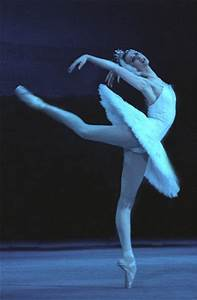 Le Lac Des Cygnes Rennes : svetlana zakharova le ballet le lac des cygnes est ~ Dailycaller-alerts.com Idées de Décoration