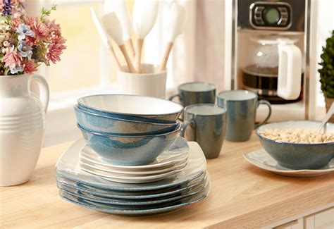 Shop wayfair for a zillion things home across all styles and budgets. BIG SALE Dinnerware Sets from $25 You'll Love In 2020   Wayfair