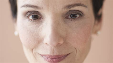 MakeupTipps für reife Haut  Kosmetik transparent