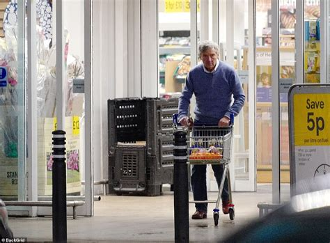kate middletons father michael  spotted stocking